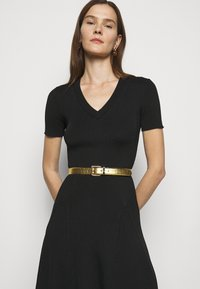 Lauren Ralph Lauren - CROC EMBOSS TWO TONE - Belte - antique gold-coloured/black - 0