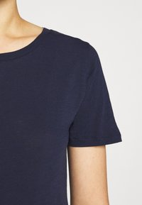 J.CREW - VINTAGE CREWNECK TEE - Basic T-shirt - navy - 5