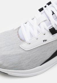 Puma - COMET 2 UNISEX - Neutral running shoes - white/black - 5