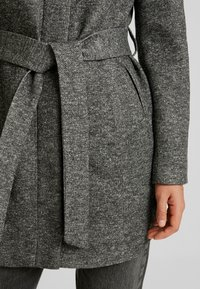Vero Moda - VMJULIAVERODONA HIGHNECK - Short coat - dark grey melange - 5