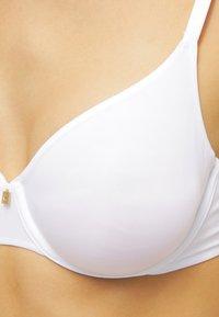 Triumph - BODY MAKE-UP ESSENT W - Underwired bra - white - 3