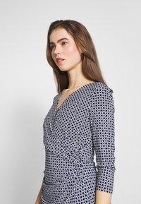 Lauren Ralph Lauren - PRINTED MATTE DRESS - Denní šaty - lighthouse navy - 3