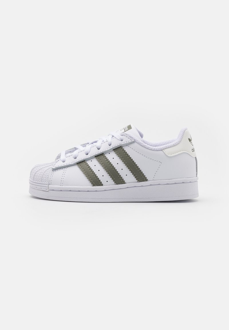 adidas Originals - SUPERSTAR  UNISEX - Baskets basses - footwear white/legacy green/offwhite