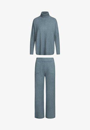 Sweatshirt - jeans
