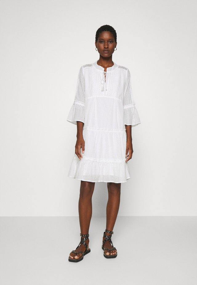 DRESS PLUMETIS - Skjortekjole - off white