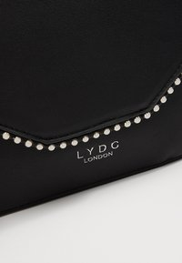 LYDC London - Across body bag - black - 6