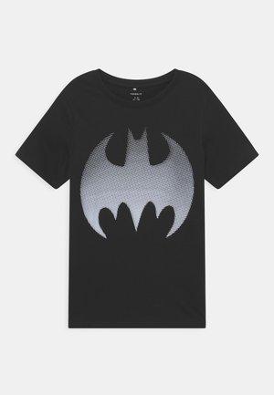 NKMBATMAN WAY BOX - T-shirts med print - black