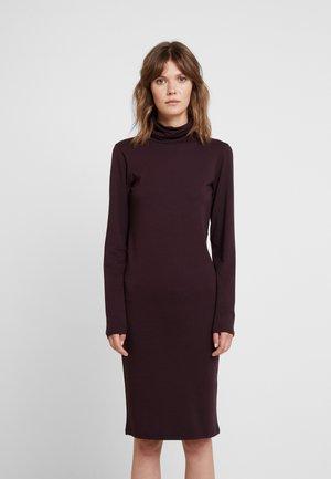 TANNER DRESS - Robe fourreau - dark ruby