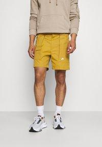 Nike Sportswear - REISSUE - Shorts - wheat/sail - 0