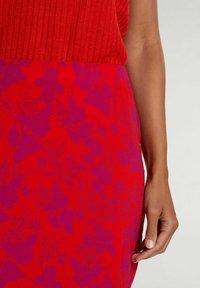 Oui - Pencil skirt - red violett - 3