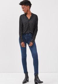 BONOBO Jeans - UMWELTFREUNDLICHE - Camicetta - noir - 1