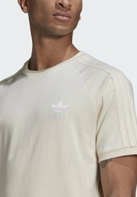 adidas Originals - ADICOLOR 3-STRIPES NO-DYE T-SHIRT - T-shirt basique - white - 3