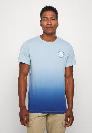 LOGO GR DIP DYE  - T-shirt con stampa - deep sky/thermen