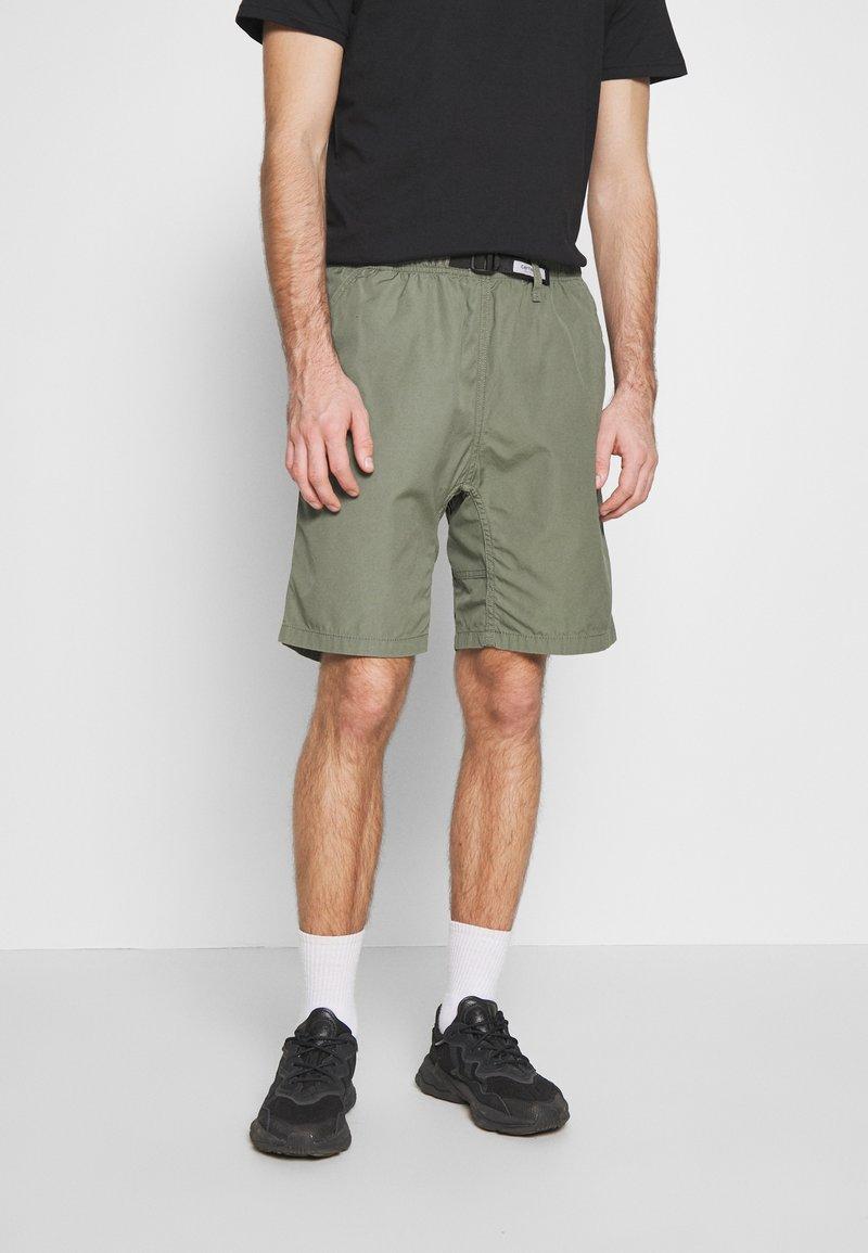 Carhartt WIP - CLOVER LANE - Shorts - dollar green rinsed
