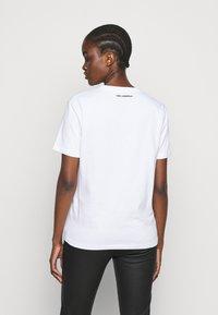 KARL LAGERFELD - MINI BALLOON LOGO TEE - Print T-shirt - white - 2