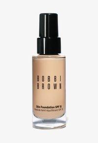 Bobbi Brown - SKIN FOUNDATION SPF15 - Foundation - n-012 porcelain - 0