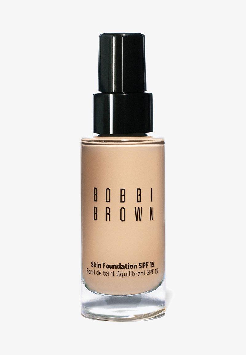 Bobbi Brown - SKIN FOUNDATION SPF15 - Foundation - n-012 porcelain