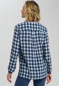 Marc Aurel - MIT ALLOVERPRINT - Button-down blouse - blue - 2