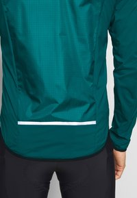 Giro - CHRONO EXPERT JACKET - Windbreaker - true spruce - 4