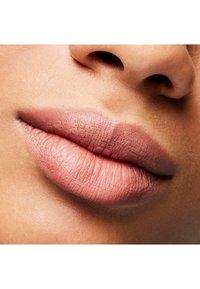 MAC - MATTE LIPSTICK - Lipstick - velvet teddy - 6