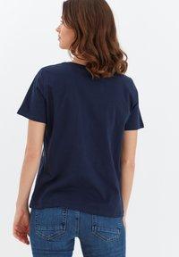 Fransa - MIT STICKEREI - Print T-shirt - navy blazer - 2