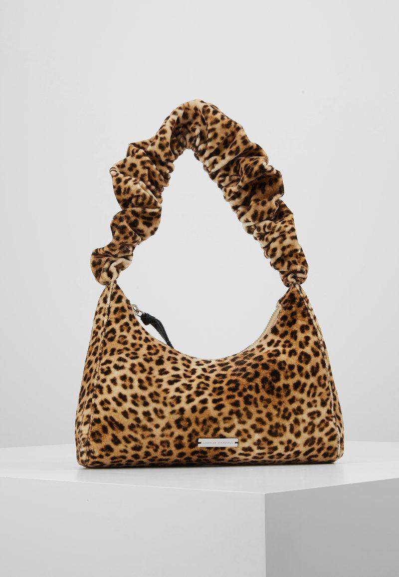 Loeffler Randall - AURORA SCRUNCHIE STRAP SHOULDER BAG - Borsa a mano - camel