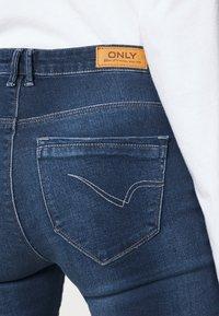 ONLY - ONLPAOLA LIFE - Jeans Skinny - dark blue denim - 6