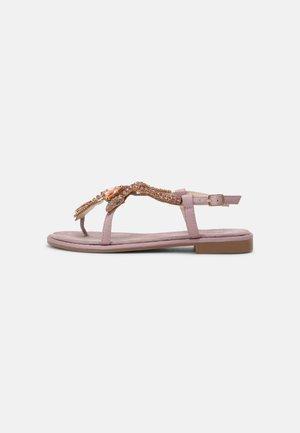 Sandály s odděleným palcem - viola