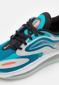 Nike Sportswear - AIR MAX ZEPHYR UNISEX - Tenisky - grey fog/turf orange/aquamarine - 5