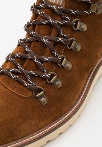 GANT - RODEN - Lace-up ankle boots - cognac - 5
