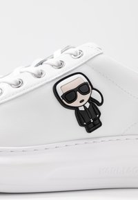 KARL LAGERFELD - KAPRI IKONIC LACE - Sneaker low - silver - 2
