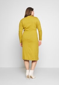 Zign Curvy - Shift dress - oliv