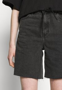 Dr.Denim - MEJA - Shorts di jeans - retro black - 3