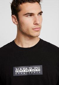 Napapijri The Tribe - SOX - Langærmede T-shirts - black - 3