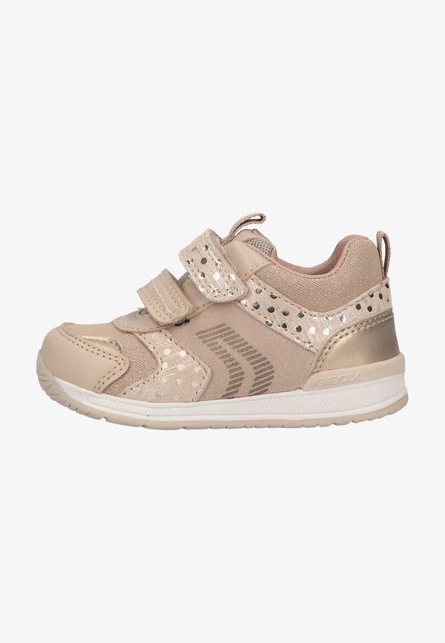 Zapatos de bebé - pink