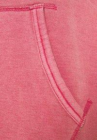Polo Ralph Lauren - GARMENT DYED HOODIE - Bluza z kapturem - chili pepper - 2