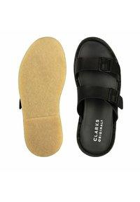 Clarks Originals - DESERT - Mules - black leather - 3