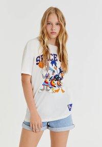PULL&BEAR - SPACE JAM - Print T-shirt - off-white - 0