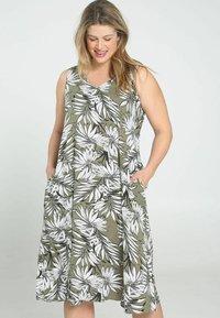 Paprika - Day dress - khaki - 0