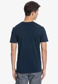Quiksilver - DISTANT SHORES - Print T-shirt - navy blazer - 2
