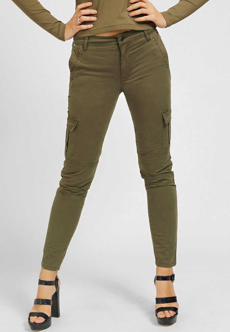 Guess - SEXY CARGO PANT - Cargo trousers - braun