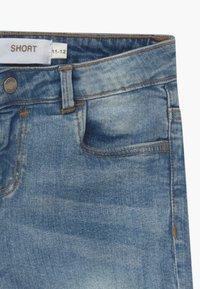 Bench - SHORTLE - Denim shorts - light-blue denim - 4