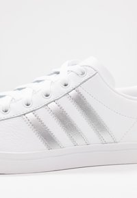 adidas Originals - COAST STAR - Sneakersy niskie - footwear white/silver metallic/core black - 2