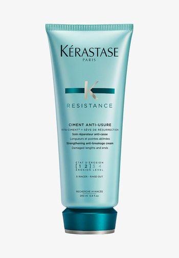 RÉSISTANCE CIMENT ANTI-USURE PFLEGE-MILCH - Hair treatment - -