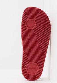 HUGO - TIME OUT SLIDE - Pantofle - red - 6