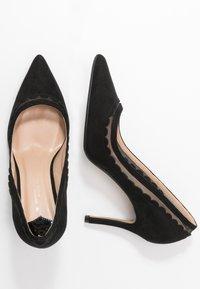 Dorothy Perkins Wide Fit - WIDE FIT ELIZA SCALLOP DETAIL COURT - High heels - black - 3