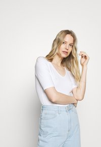 Anna Field - Basic T-shirt - white - 4