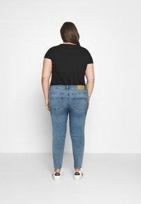 Vero Moda Curve - VMLOA  - Jeans Skinny Fit - light blue denim - 2