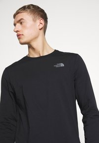 The North Face - MENS EASY TEE - Bluzka z długim rękawem - black/zinc grey - 3