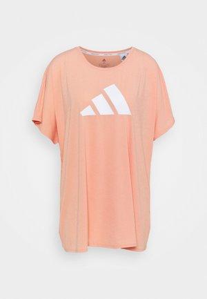 3 BAR TEE - Print T-shirt - ambient blush/white